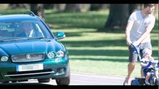 Video La reina Isabel ll única persona sin licencia en el Reino Unido y manejar libremente calles Londres download MP3, 3GP, MP4, WEBM, AVI, FLV November 2017