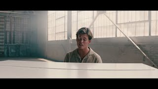 Смотреть клип Jamie Miller - City That Never Sleeps