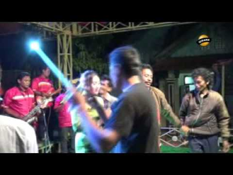 KOPI LENDOT voc.  Putri - Jaipong Dangdut LIA NADA  Live Karangsari
