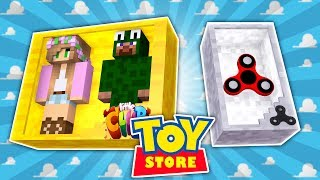 Minecraft TOYS - LITTLE LIZARD IS THE NEW TOY FIDGET SPINNER | Little Kelly and Little Carly