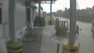 Top 10 Forklift Accidents from Mitsubishi Forklift Briefing International thumbnail