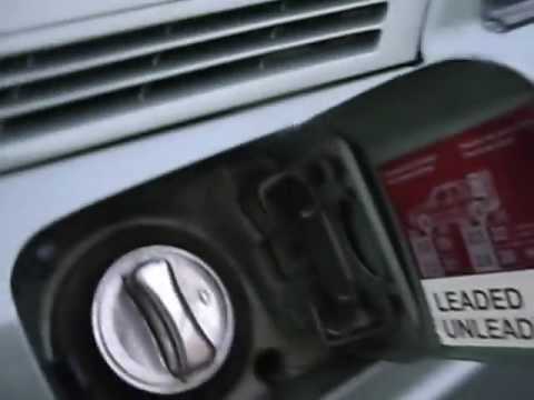 Mercedes 190e Emergency Opening Of The Fuel Flap Youtube