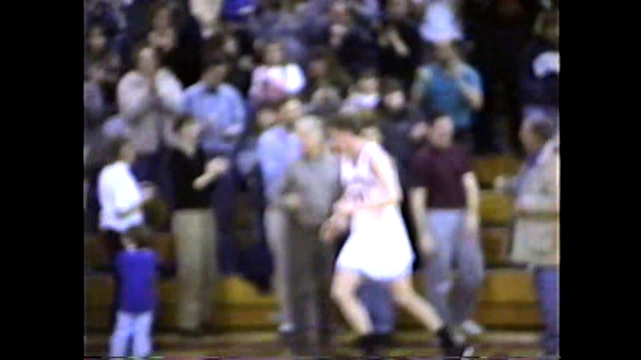 Dan Munson Breaks Section VII Scoring Record  2-3-99