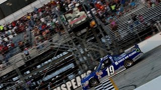 Reddick makes late-race pass to win at Dover