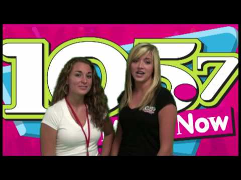 Rachael and Andi from The 1057 Hit Music Now Street Team