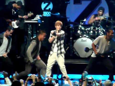 Justin Bieber - Baby - Live @ Z100 Jingle Ball 2010 - NYC - MSG 12/10/10