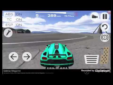 Jugando juegos de carros