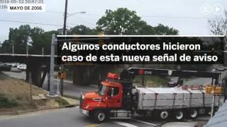 Video: El puente que rompe el techo de los camiones