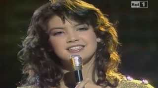 Phoebe Cates - Theme from Paradise (Discoring