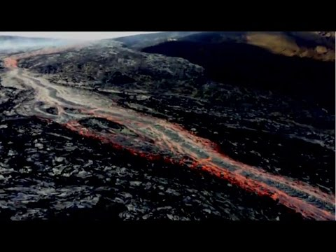 Two lava flows break out at Kilauea volcano, Hawaii