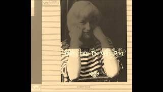Blossom Dearie -- I Walk A Little Faster (1958)