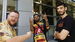 Danny Brown + Ice Poseidon at Twitchcon 🔴 Burger Planet LIVE Daily Vlog