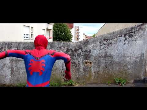 When SPIDER-MAN decides to have fun in the city!!
