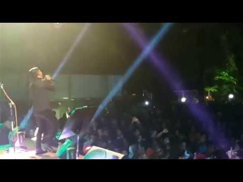 ELLino Live Aku dan Dunia Merindukannya @Pro 2FM Jakarta Malam Tahun Baru 2015