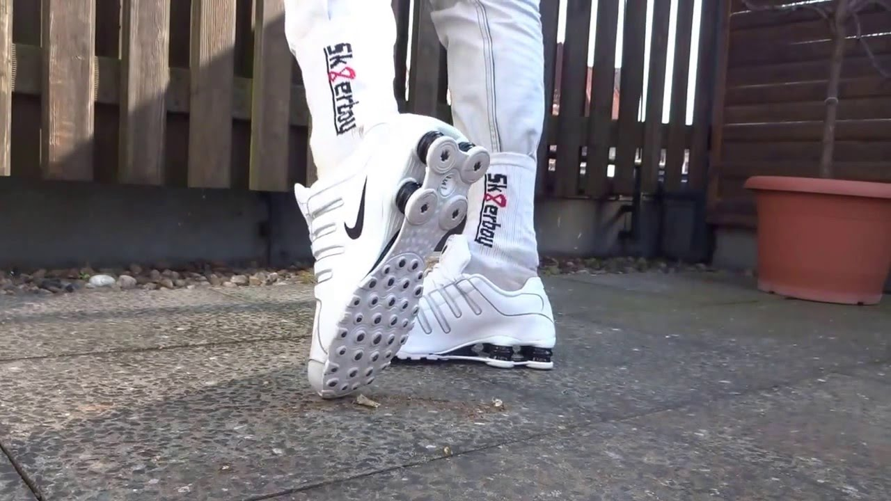 66597b4aade7bc Smoke in my Leather Jacket and Nike Shox - YouTube