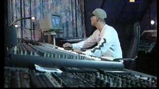 Zu Besuch bei Dj Hooligan im Studio wo er ein paar Grundelemente im Producing erklärt