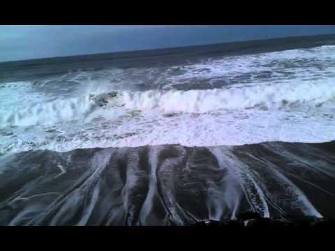 Big Waves at the Oregon Coast, November 26th, 2011, Lincoln City, Oregon.