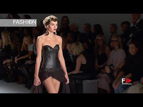 CHIARA BONI - La petite robe - The Best of 2017 - Fashion Channel