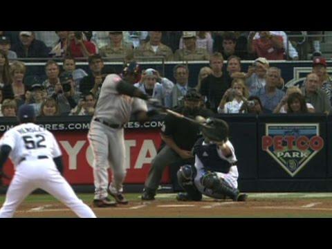 Bonds ties Aaron with his 755th career homer