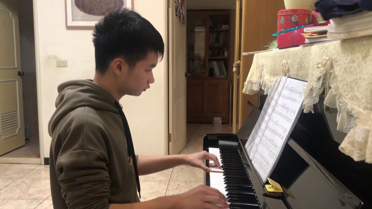 五月天-傷心的人別聽慢歌(貫徹快樂)- 鋼琴小子-作詞:五月天 阿信-作曲:五月天 阿信-演奏:鋼琴小子 - YouTube
