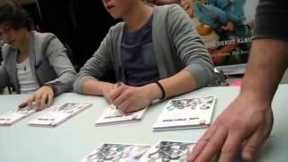 What It Is LIke to Meet Harry Styles and Niall Horan Live in Person   One Direction at the Mall