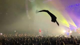Download Sum 41 - Walking Disaster (live @ Paris 17/01/2020)