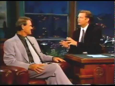 "Glen Campbell Sings ""Wichita Lineman"" & Talks Guitar"