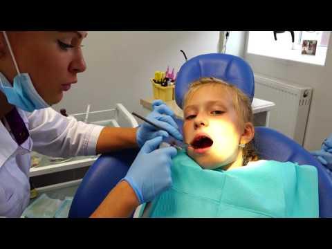 VLOG: Поход к стоматологу. Вырываем зубик. Ставим малиновые и клубничные пломбы Visits The