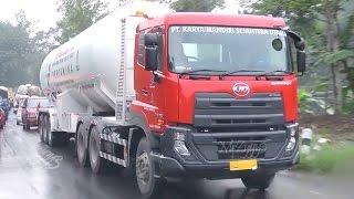 Quester GWE UD Trucks Tractor Head Heavy Duty Truck