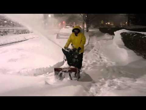 Motzei Shabbos in Midwood - Brooklyn Blizzard 2016 [HD]
