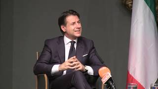 Washington, il Presidente Conte incontra la stampa italiana