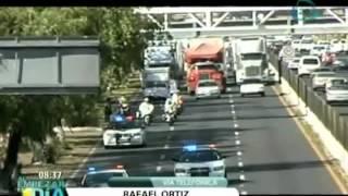 Transportistas se unen para bloquear autopistas hacia el DF