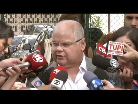 Rodrigo Maia discute reforma política com líderes partidários