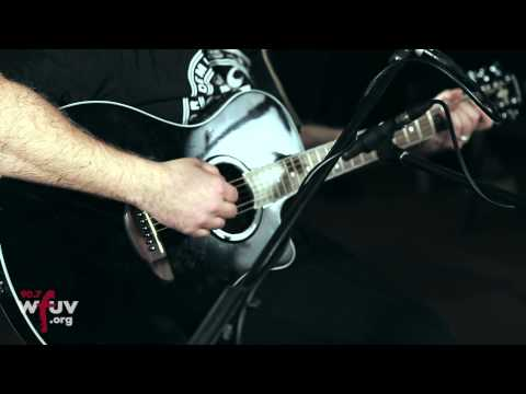 """The 2 Bears - """"Unbuild It"""" (Live at WFUV)"""