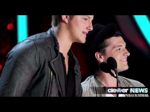 The Hunger Games Wins MTV Movie Awards - Josh Hutcherson 2012