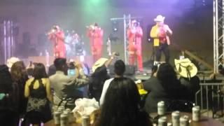 Banda Roja En Vivo -El Diablo en una botella