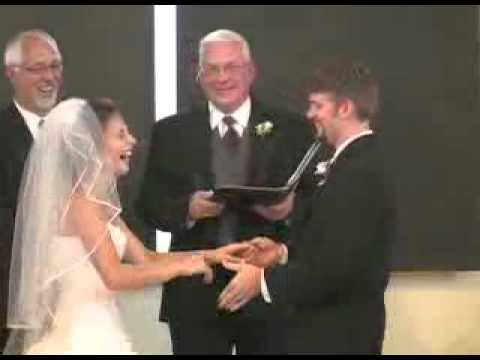 Жених нездержался и трахнул невесту фото