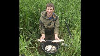 Рыбалка на поплавок на реке или с маховой удочкой на Угре в июле 2021 Калужская область