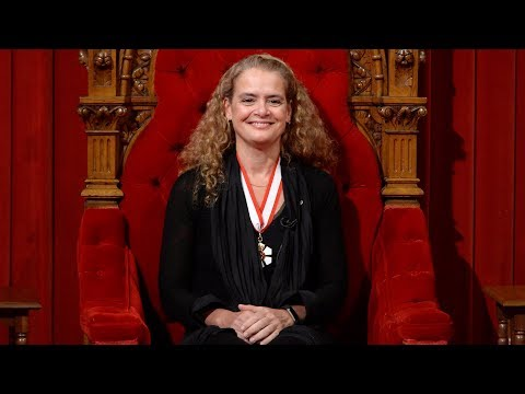 Julie Payette installed as Canada