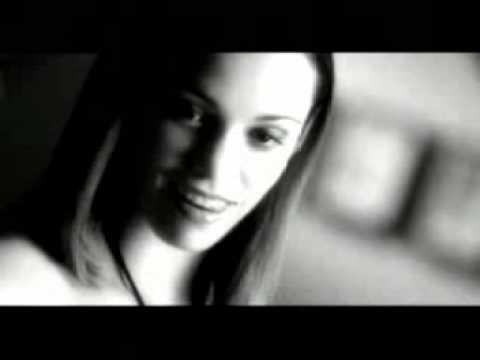 Soraya Lamilla - Suddenly (on Live)