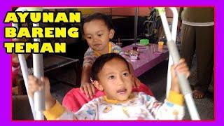 Video SEKOLAH MANDIRI- Main Ayunan Sama Teman|Sosialisasi,Latih Rasa,Hati&Pikir | Play Swing With Friend download MP3, 3GP, MP4, WEBM, AVI, FLV Mei 2018