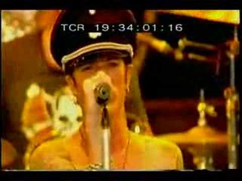 Velvet Revolver -Fall to Pieces (Ozzfest/Download 2005)