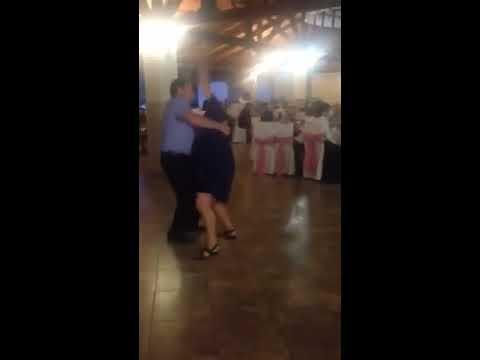 Пьяные женщины танцуют в трусах на корпоративах фото 341-31