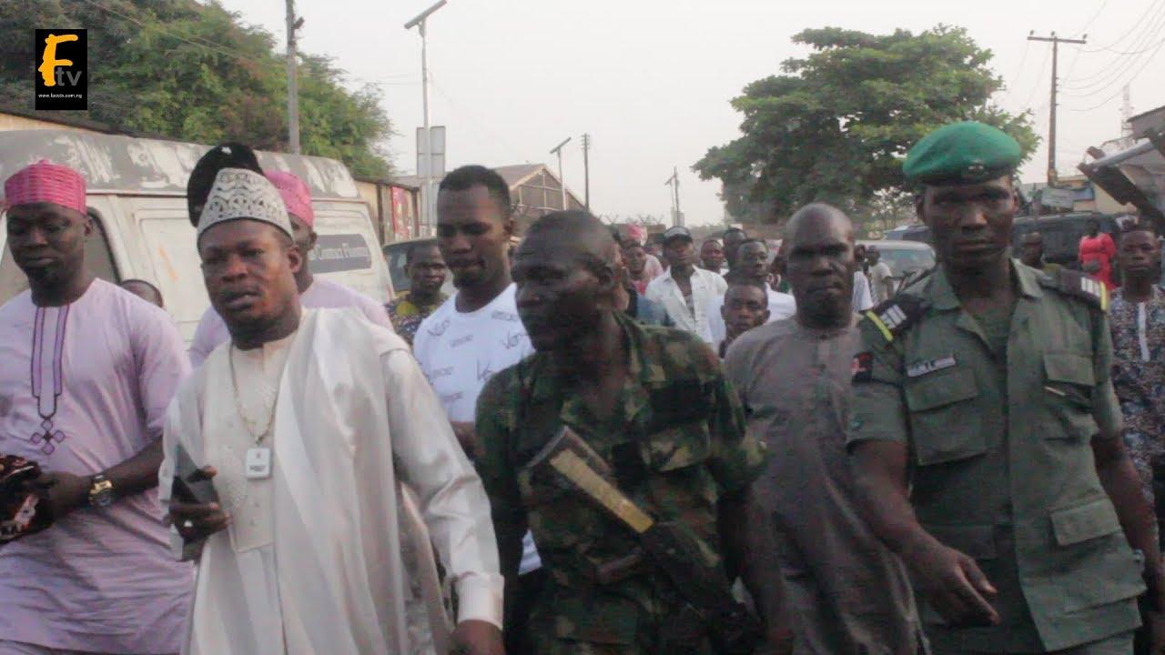 SEE DRAMA - KUNLE POLY AND MC OLUOMO MEET AT THE SAME EVENT  APC VS PDP
