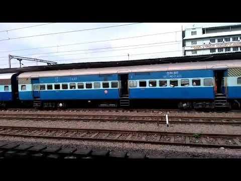 12625 Thiruvananthapuram-New delhi kerala express announcement in Ernakulam Junction