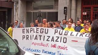 Concentración de trabajadores de EuskoTren en los juzgados de Bilbao