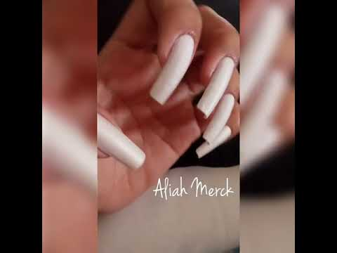 Aliah Merck Showing Different Glittery Nail Designs (video 7)