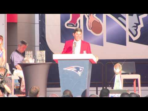 Gil Santos and Tedy Bruschi Inducted into Hall of Fame
