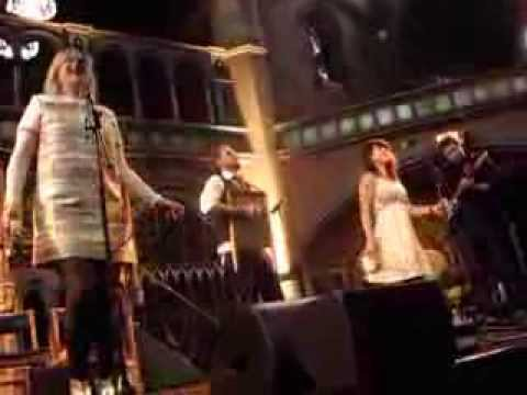 Piney Gir - Outta Sight (Live @ Daylight Music, Union Chapel, London, 07/12/13)