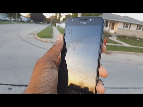 How I Cracked My Moto E4... 2 WEEKS AFTER BUYING IT!!